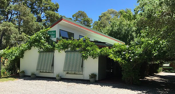 Tims Place Halls Gap - Front of Hostel
